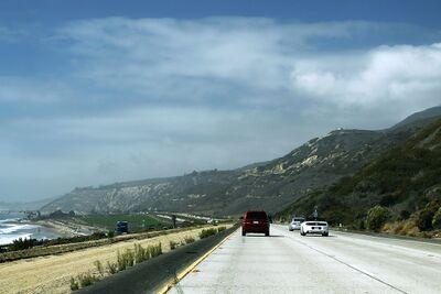 De Santa Monica Freeway is een onderdeel van de Interstate 10 in California, in de stad.