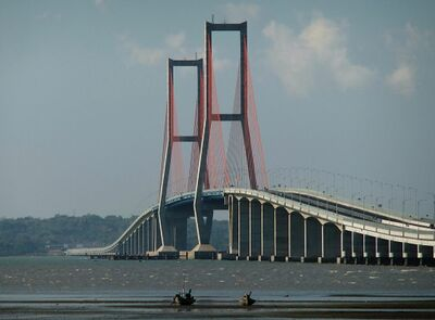 Suramadu Bridge.jpg